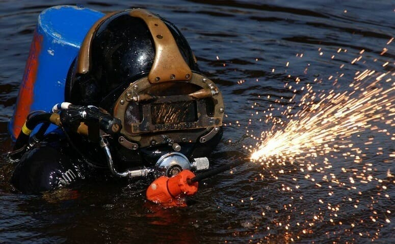 dangers of underwater welding