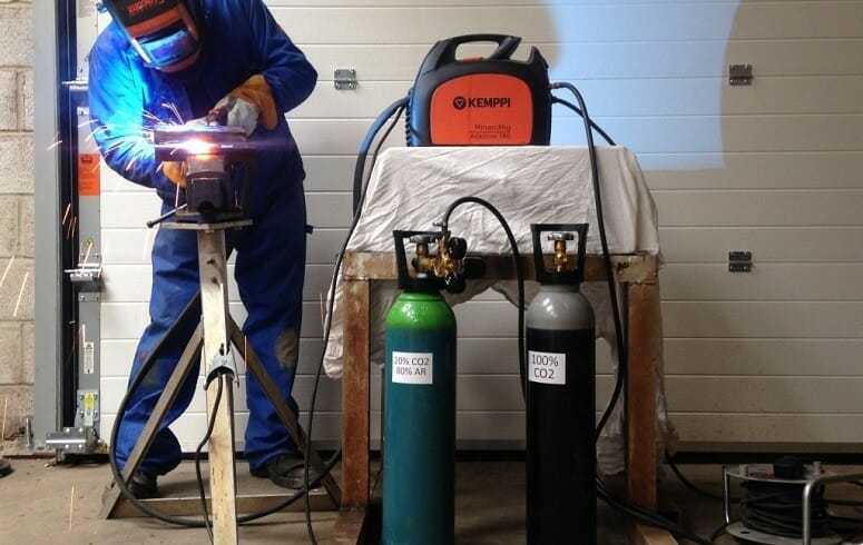 using gas with MIG welder
